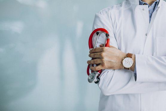 Семеный врач в клинике Актив-Медикал